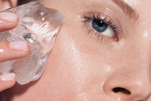Как снять аллергический отек лица