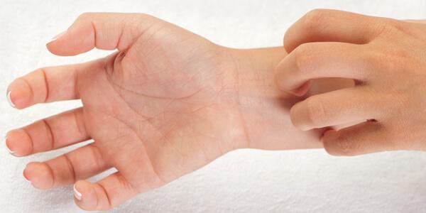 Мазь от дерматита: разновидности и отличия в применении, аналоги дорогостоящих средств