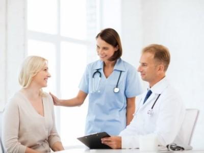 При заболевании экстрасистолией необходимо обратиться к кардиологу