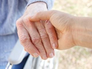 Симптомы ревматоидного артрита и причины возникновения недуга