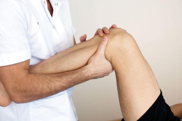 Синовит коленного сустава: лечение, описание заболевания, его этиологии и основных симптомов и стадий