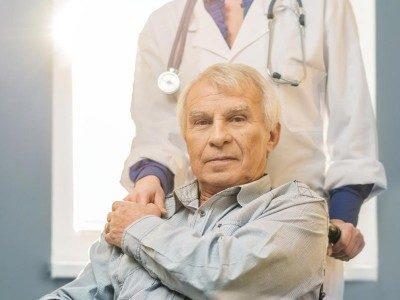 Последствия инсульта у мужчины