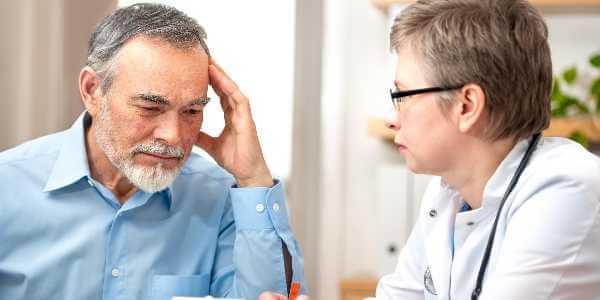 Прием у врача при головной боли