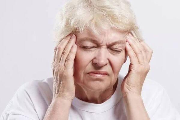 Шум в ушах у пожилых