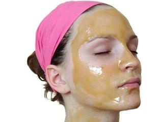 Маска для лица с желтком: полезные свойства и популярные рецепты